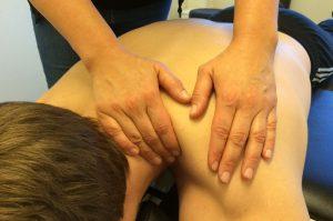 Fysioterapien tilbyder lindrende massage og andre helbredende behandlinger