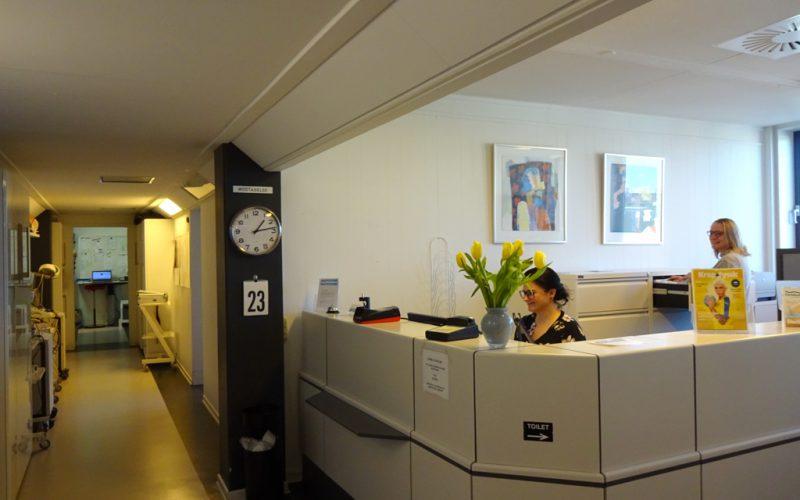 Fysioterapien har klinik på Åboulevarden i Århus.