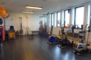Vi tilbyder træning med tilpassede øvelser. Masser af gode faciliteter hos Fysioterapien i Århus