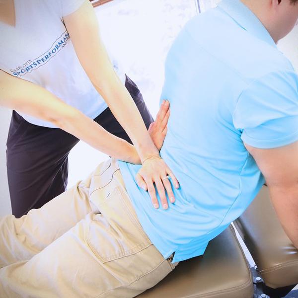 Hjælp dig selv med at fjerne skavanker i ryggen