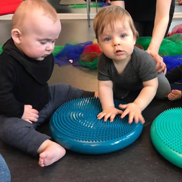 Babytummer er godt for dit barns motoriske udvikling