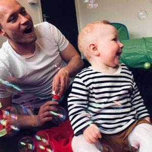 Far og baby træning er styrketræning til far og kvalitetstid med din baby
