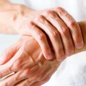 Træning rettet mod personer med gigt og andre smertefulde gener i kroppen